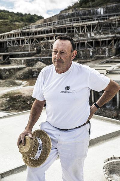 Edorta Loma Salt master in Añana Salines