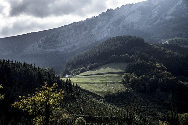 Parque Natural de Urkiola en el Pais Vasco